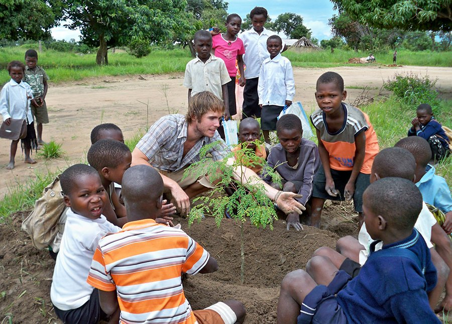 Planting Moringa with Cholensenga Basic School